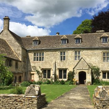 painswick-lodge-film-photo-locations-25