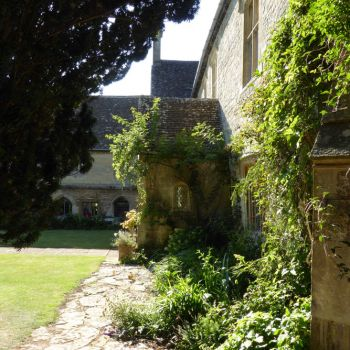 painswick-lodge-film-photo-locations-37