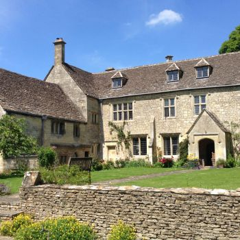 painswick-lodge-film-photo-locations-38
